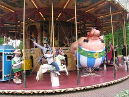Carrocel do Parc Asterix., Mohamed R - June 2008