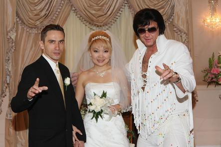 photo of las vegas mariage elvis la chapelle de graceland elvis wedding - Renouvellement Voeux Mariage Las Vegas