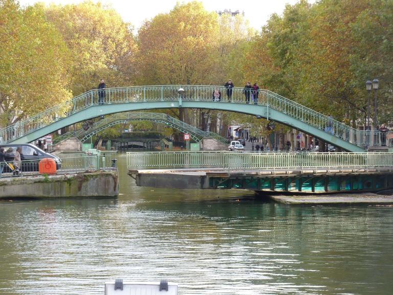Swing bridge - Paris