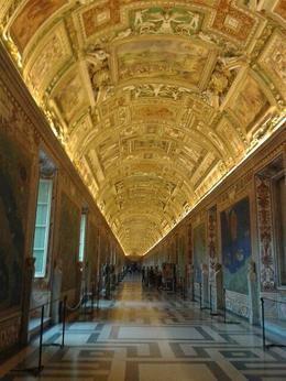 Gallery on way to Sistine chapel - advantage of early entry , Carey B - October 2016