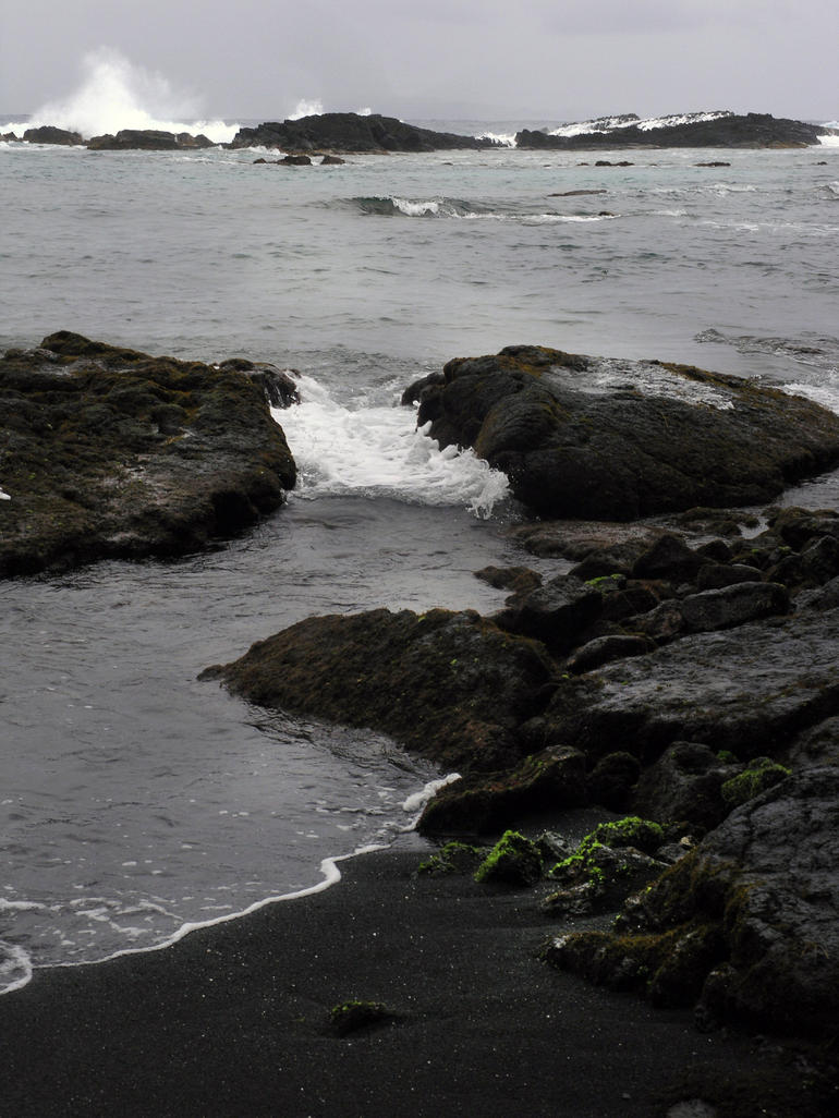 Black sand beach - Oahu