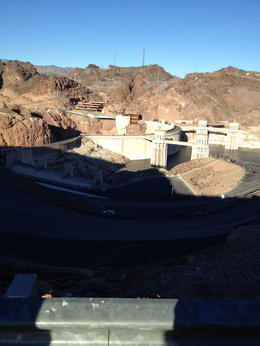 a little Peak at Hoover dam , Dino C - January 2013
