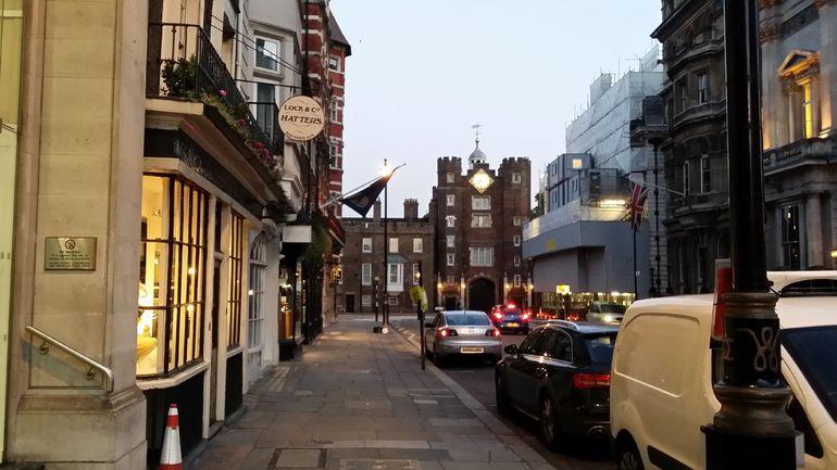 London Ghost Tour - Hatter/Haberdashery