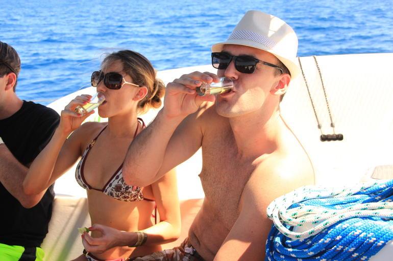 Los Cabos Luxury Snorkel and Lunch Cruise - Los Cabos