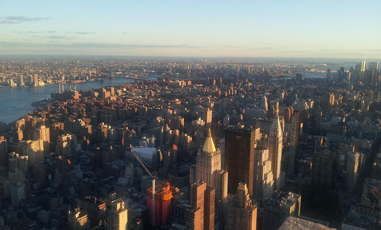 New York - Blick vom Empire State Building bei Sonnenuntergang - New York City