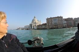 retour sur le grand canal avec en arrière plan l'église Santa Maria de la Salute , marianne453 - March 2013