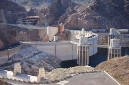 A short photo-opp stop at Hoover Dam and the chance to visit those famous porta-loos (or not) before the journey back., Christine O - April 2008