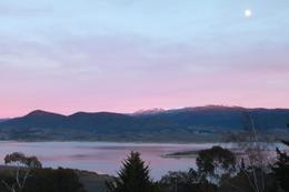 The pink hues makes the view of Jindabyne lake from the resort lovely in the early morning as we queue up for breakfast., Jason Wuen Jin D - August 2009