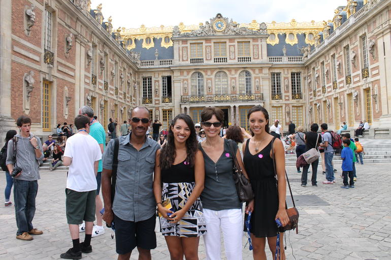 Family at Versailles - Paris