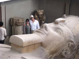 Laura and Juan looking at the big statue of Ramses II in Memphis, Juan Jose G - May 2010