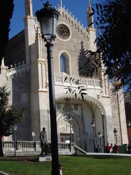 Church next to the Prado Museum, Cat - January 2012
