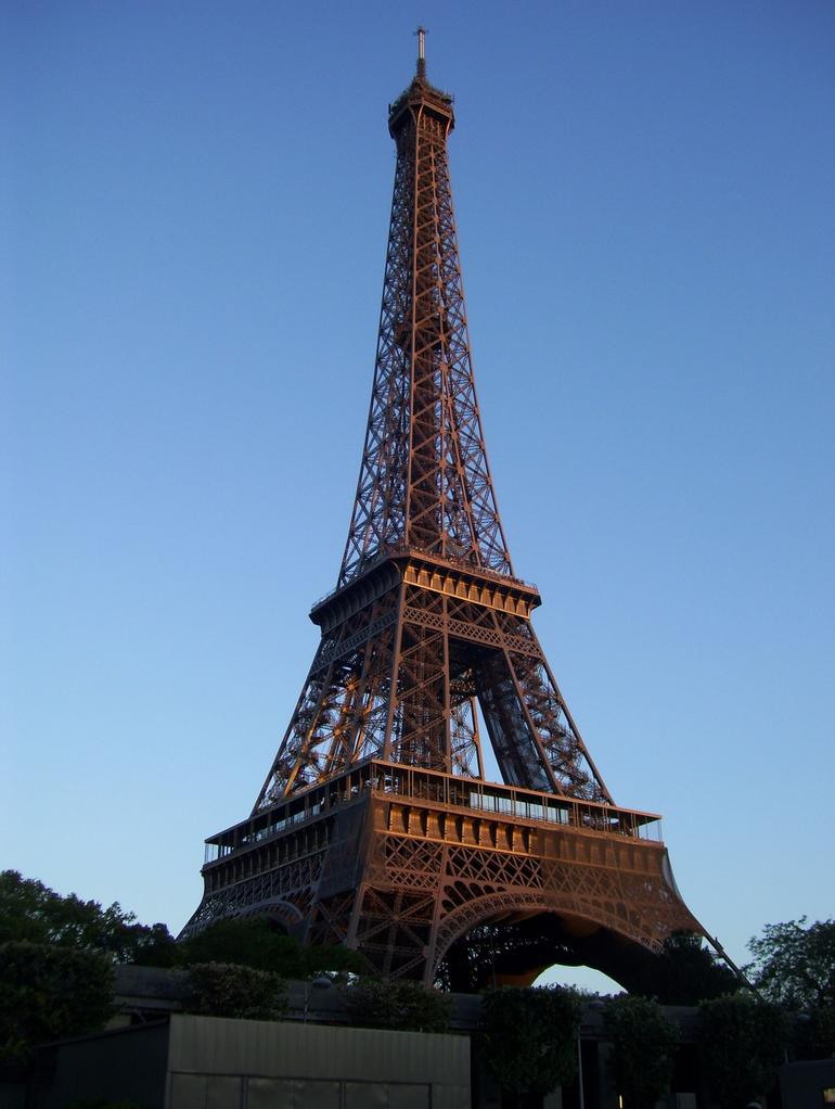 Eiffel Tower - Seine River Cruise - Paris