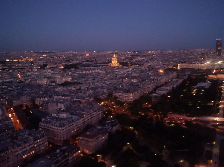 Skip the Line: Small-Group Eiffel Tower Sunset Tour photo 19