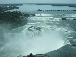 Canadian Horseshoe falls, Rei Fern S - July 2010