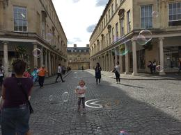 Children making bubbles in Bath , vfeddern - September 2016