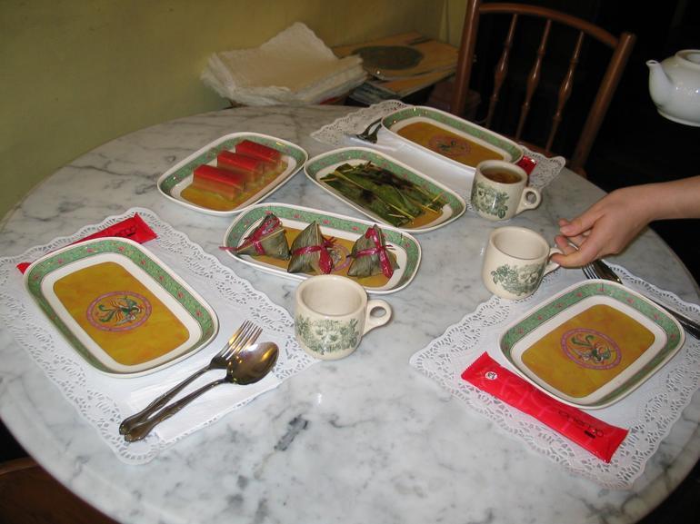Food & tea tasting - Singapore