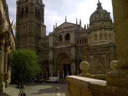 A nice pic of the cathedral in Toledo. Very good Architecture. Narrow lanes . A small sweet town will a lot of history. , jas - June 2012