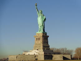 WE were on our way to Liberty Island. , Julio V - December 2016