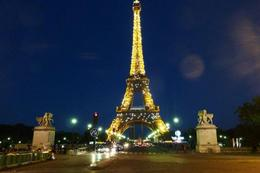 Twinkling Eiffel Tower as part of the Viator Paris Illuninations Night Tour , nag33m - June 2012