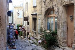 The streets of Gordes, Helen L - September 2010