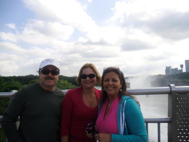 my friends and me in niagara falls - New York City