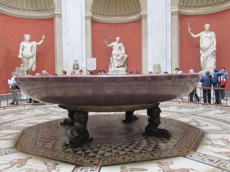 Porphery Bath - Rome