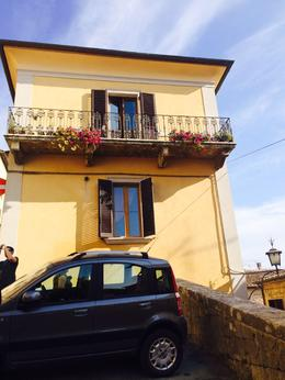cute houses in Monteoulciano, Nancy - October 2014