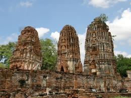 Wat Prasriratthanamahathat - Temple Ruins, Graham D - July 2010