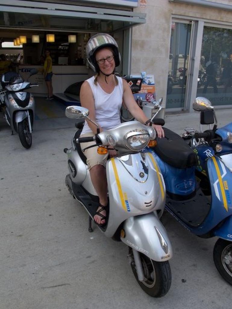 Barcelona Scooter Tour - Barcelona