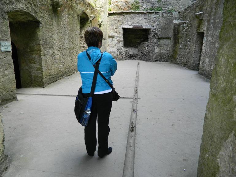 DSCN0544 Inside Blarney (McCarthy) Castle - Dublin