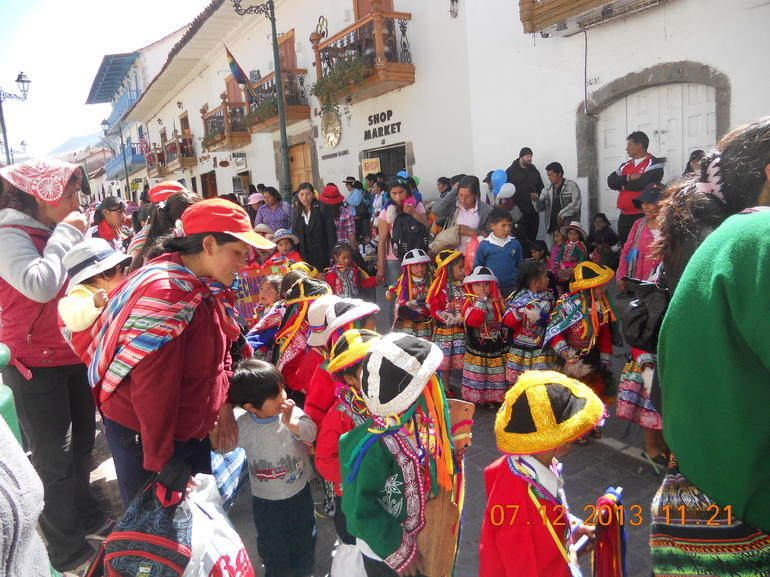 Kids' parade in Cusco - Lima