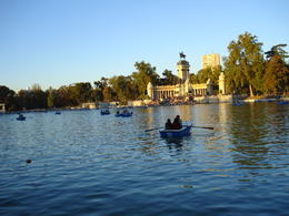 Row boats on the lake at Parque del Buen Retiro, Cat - January 2012