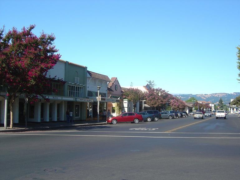 Sonoma Square - Napa & Sonoma