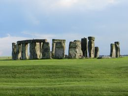 A picture of Stonehenge, which amazingly has relatively few people in it. , howardtopher - June 2016