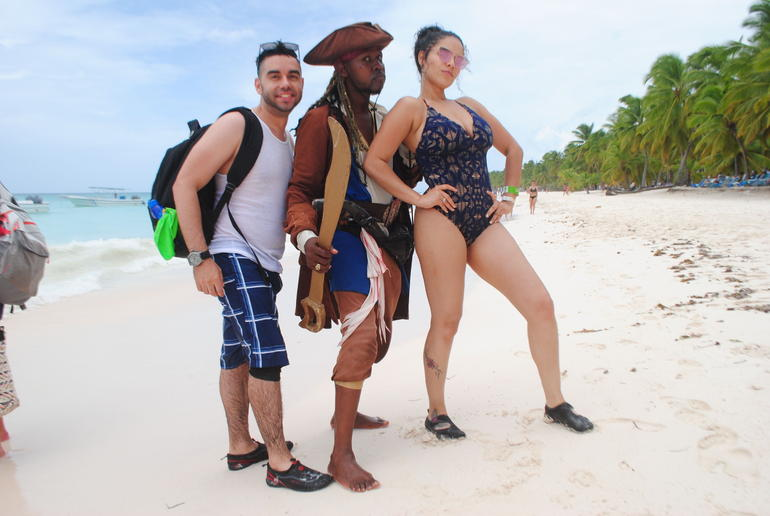 Saona Island Excursion by Catamaran and Speedboat