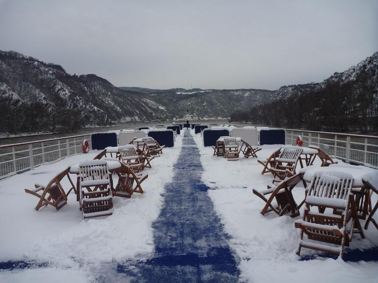 2010-12-19 Maxine Day 25 (Cruise Rudesheim) 005 - Rhine River
