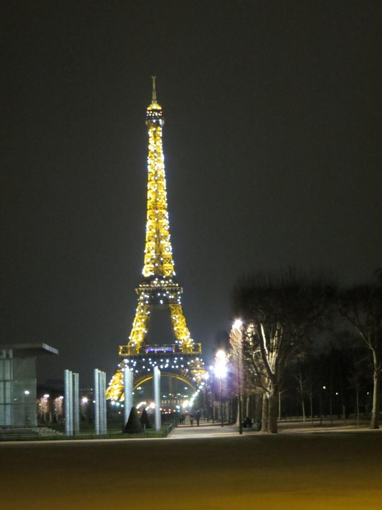 A night view - Paris
