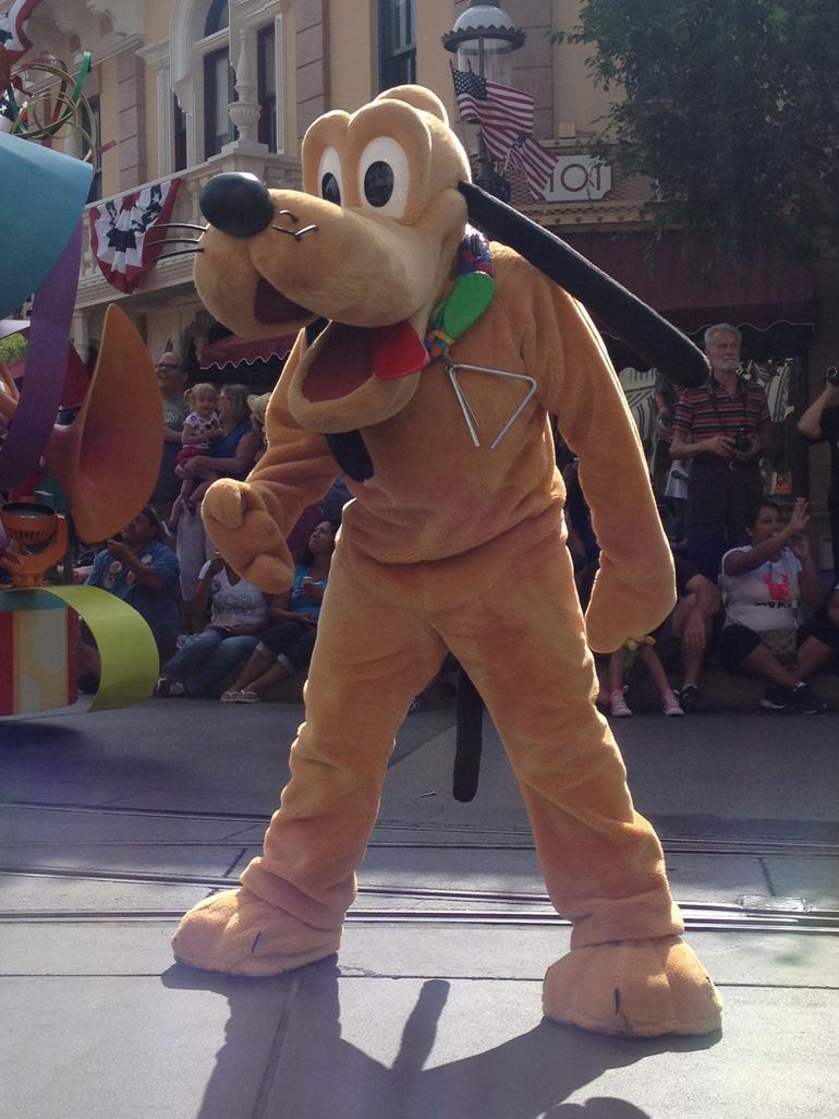 Pluto - Los Angeles