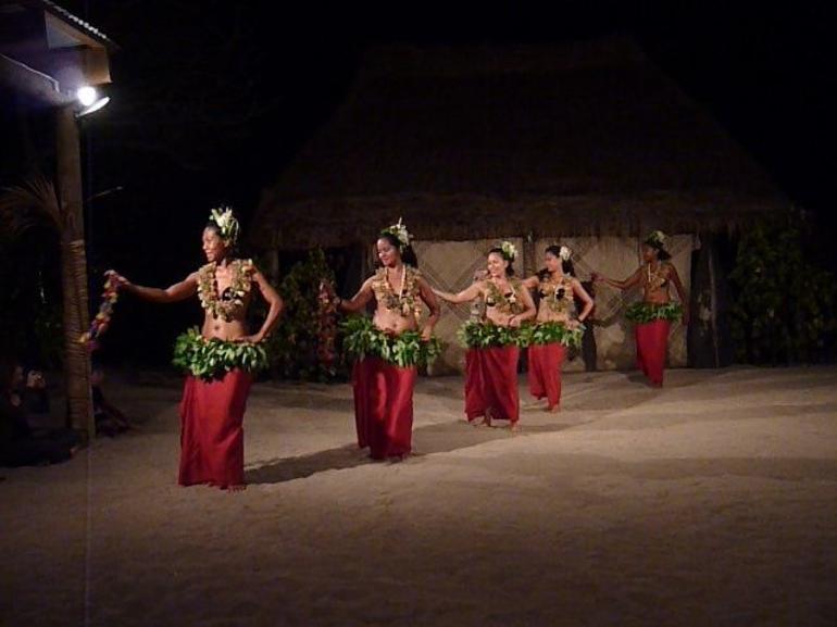The dancers - Nadi