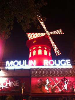 On our way to the front door of Moulin Rouge. , denielepops - September 2016