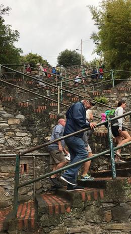 400 steps to lunch , Ezequiel N - October 2017