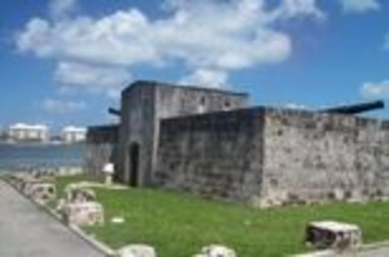 Fort in Nassau - Nassau