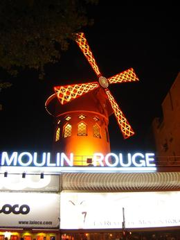 Before the show at Moulin Rouge. No cameras allowed inside., Pamela K - October 2007