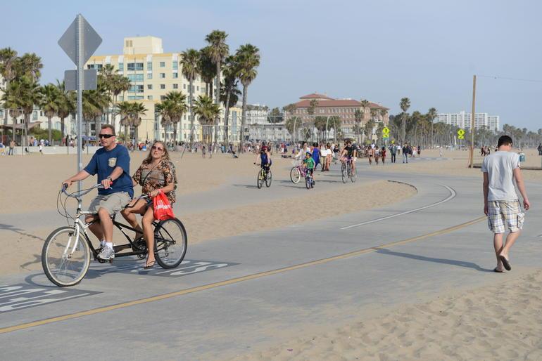 Santa Monica Beach & Pier - Los Angeles
