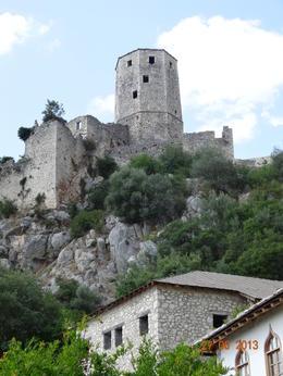 Preciosa torre de la fortaleza. Subir hasta ella era una odisea. , ana a - July 2013