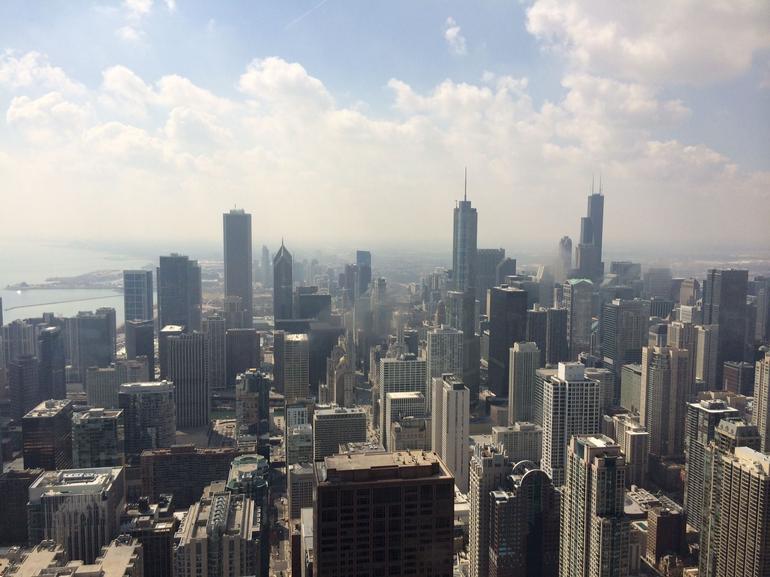 vue-sur-willis-tower-et-le-chicago-skyline-go-chicago