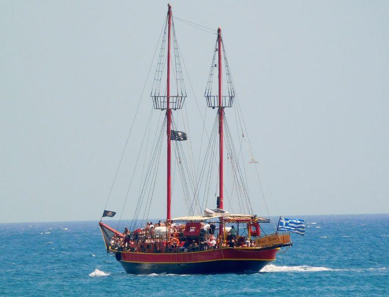 Hour Crete Pirate Ship Cruise Sissi Malia And Stalis - Pirate ship cruise