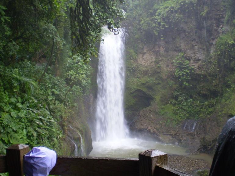 La Paz Waterfall - San Jose