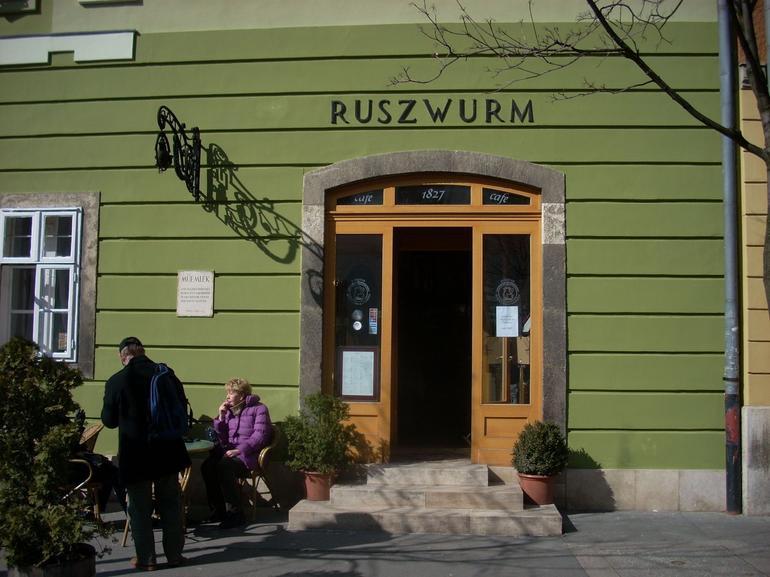 Ruszwurm cafe - Budapest