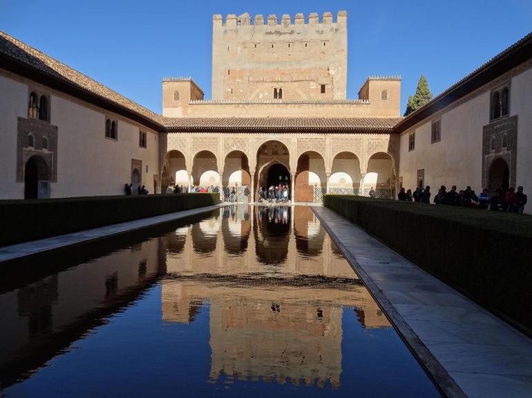jardins-du-generalife-grenade-visite-l-alhambra-seville